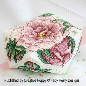 Biscornu pivoine, broderie point de croix, cr�ation Faby Reilly