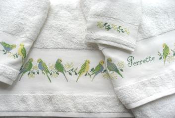 Perrette Samouiloff nous propose un jeu complet de motifs � broder sur serviettes �ponge,