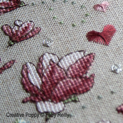 Marquoir magnolia, grille de broderie, cr�ation Faby Reilly
