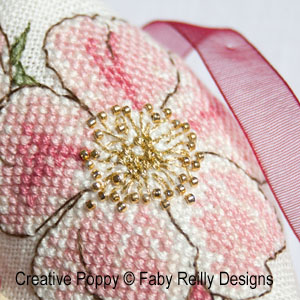 Biscornu �glantine, grille de broderie, cr�ation Faby Reilly Designs