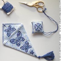 Etui à ciseaux Bleu profond - grille point de croix - création Marie-Anne Réthoret-Mélin