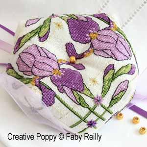 Faby Reilly - Biscornu iris violet (grille de broderie point de croix)