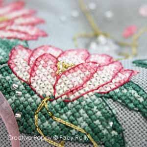 Biscornu au lotus rose