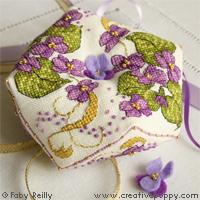 Biscornu violette - grille point de croix - création Faby Reilly