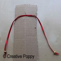 Ruban décoration Noël avec double noeud et embouts perles - étape 2
