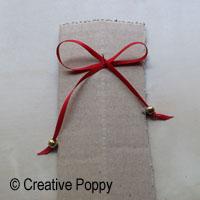 Ruban décoration Noël avec double noeud et embouts perles - étape 2b