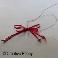 Ruban décoration Noël avec double noeud et embouts perles - étape 3b