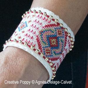 Bracelet manchette brodé
