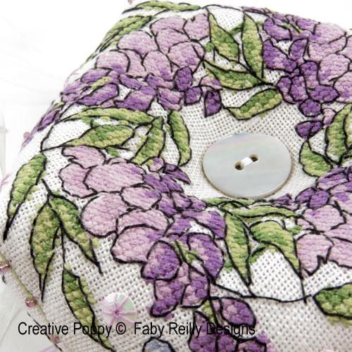 Modèles à broder sur le thème fleur mauve