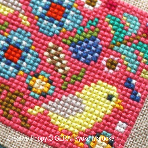 Petits motifs à fleurs N°1 broderie point de croix, création GERA! Kyoko Maruoka, zoom3
