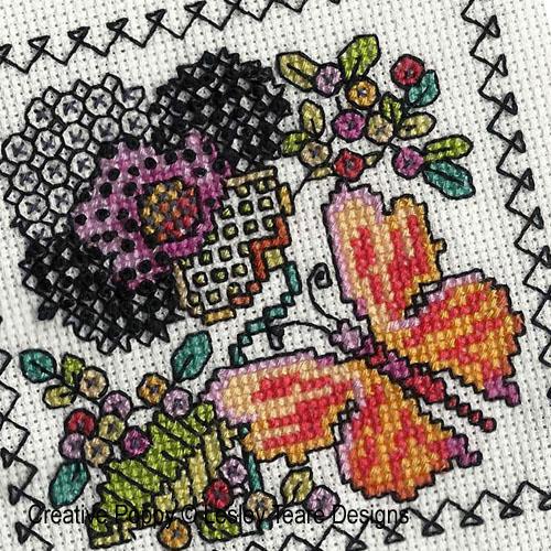 Petits motifs de Blackwork aux papillons broderie point de croix, création Lesley Teare, zoom1