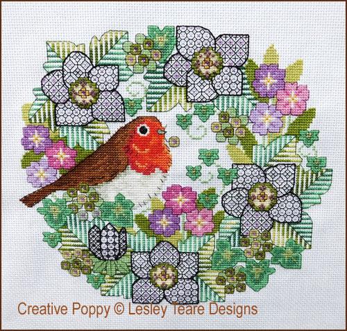 Fleurs en Blackwork au rouge-gorge, grille de broderie, création Lesley Teare