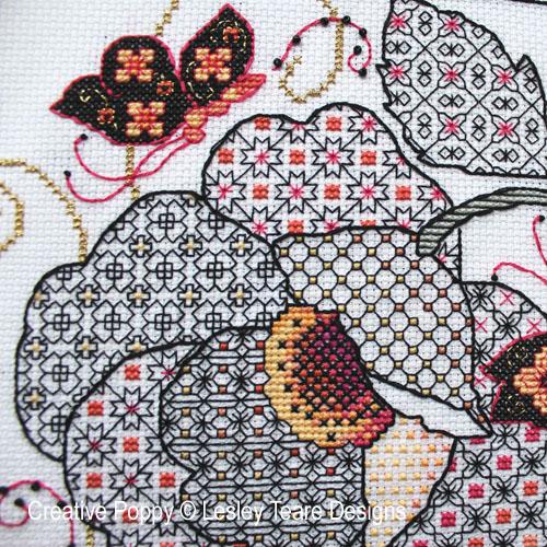 Fleur et Papillon, grille de broderie, création Lesley Teare