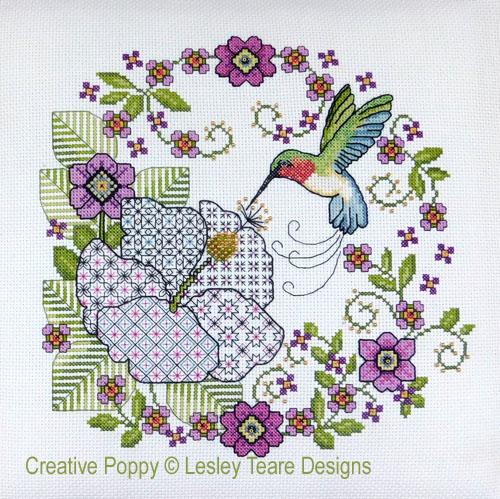 Hibiscus et colibri, grille de broderie, création Lesley Teare