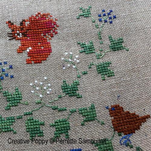 Bannière d'hiver aux baies bleues broderie point de croix, création Perrette Samouiloff, zoom2