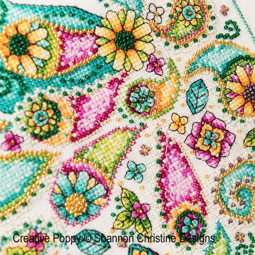Paon motif cachemire (Paisley Peacock) broderie point de croix, création Shannon Christine Wasilieff, zoom2