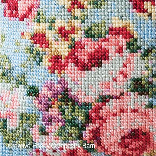 Les roses anciennes - Coussin d'été, grille de broderie, création Tapestry Barn