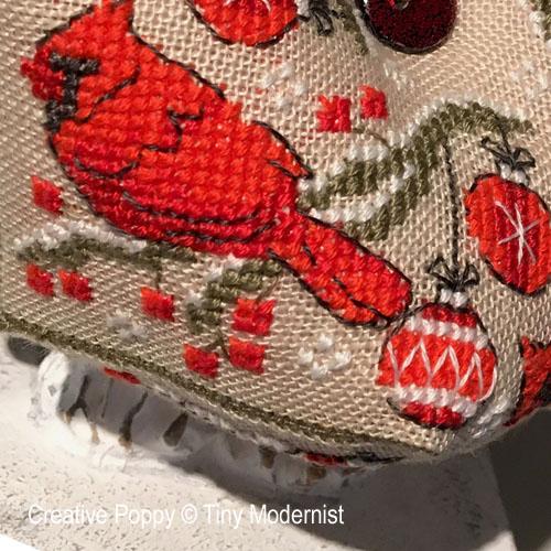 Biscornu au Cardinal, grille de broderie, création Tiny Modernist